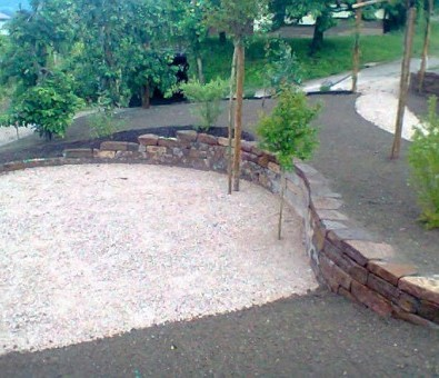 garten stein trockenmauer